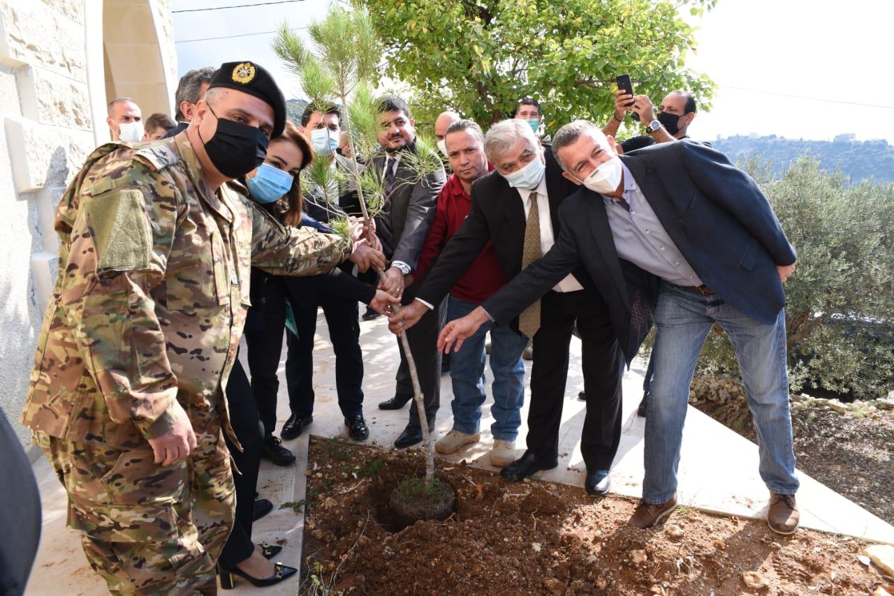 إطلاق حملة «نزرع شجرة حياة في موقع كل لغم» في شموت