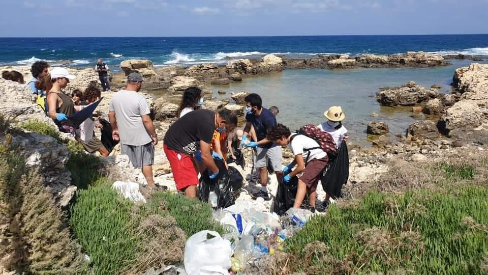 بلدية المنصف أطلقت المرحلة الثانية من حملة تنظيف الشاطئ بالتعاون مع النادي