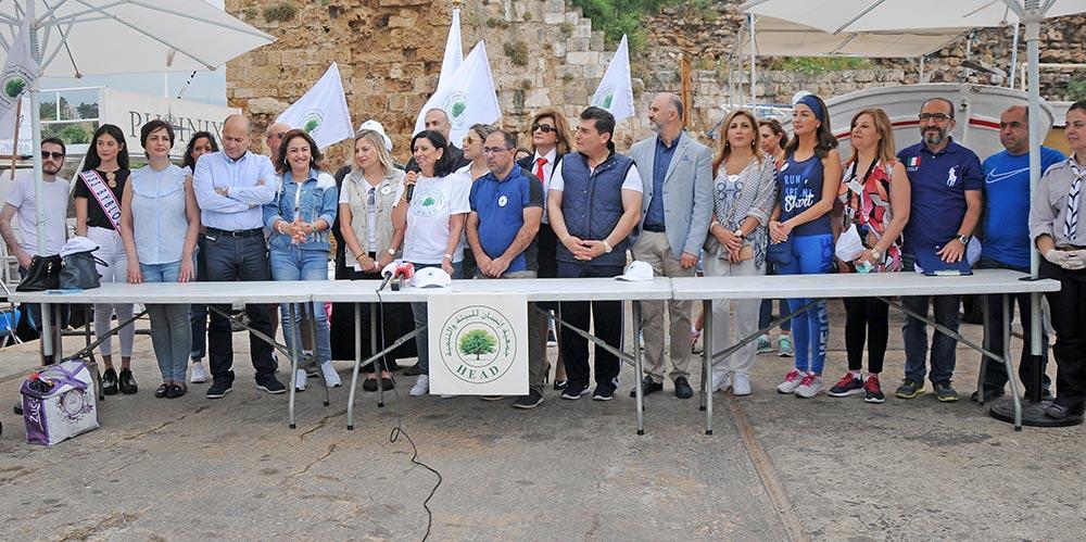 جمعية «إنسان للبيئة والتنمية» أطلقت الحملة الوطنية لتنظيف شاطئ قضاء جبيل برعاية جريصاتي وبالتعاون مع بلدية جبيل